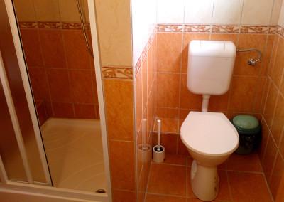 2 ágyas szoba fürdő 2