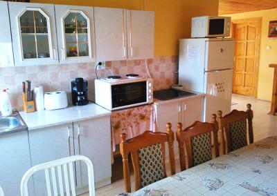 Vendégház konyha 1