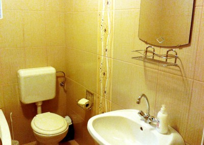 4 ágyas apartman fürdő