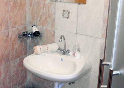 Családi apartman fürdő